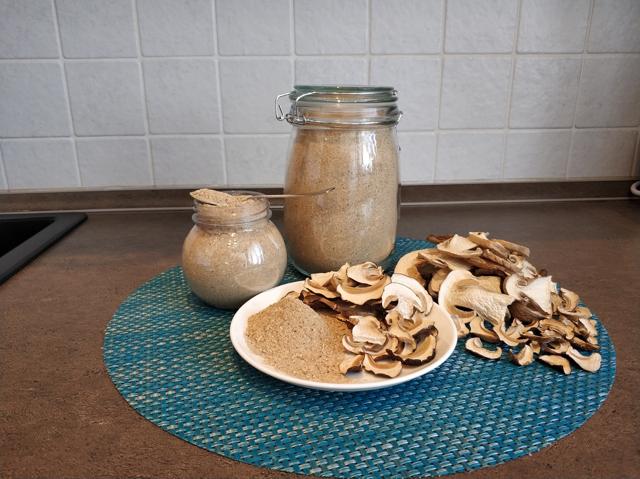 Грибы белые сушеные порошок (грибная мука)