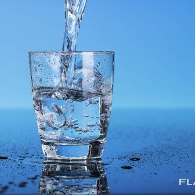 Вода питьевая газ / негаз